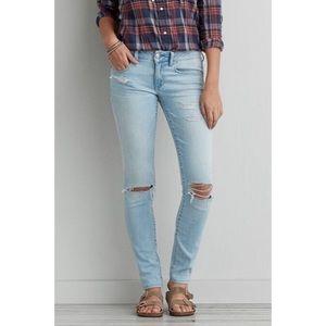 AEO Distressed Skinny Jeans Light Wash [Size 4]